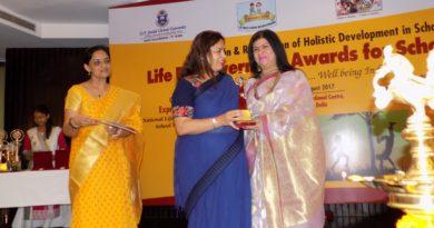Jyoti Arora Principal DPWS Life Empowerment school awards